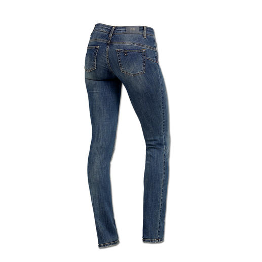 "Liu Jo Jeans ""Bottom up"" The jeans for a shapely rear – ""­Bottom up"" jeans by Liu Jo Jeans, Italy."