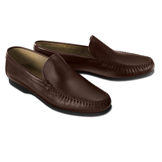 Montecatini Moccasin Slippers - Gentleman's slippers. Soft calfskin. Flexible moccasin style. Barefoot-friendly velvet lining.