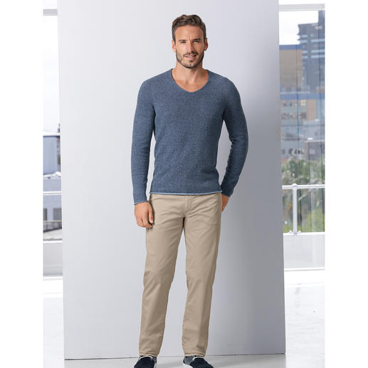 365 Days Pullover It couldn't be any more ­versatile: The all-season ­reversible pullover in a ­fashionable ­denim look.
