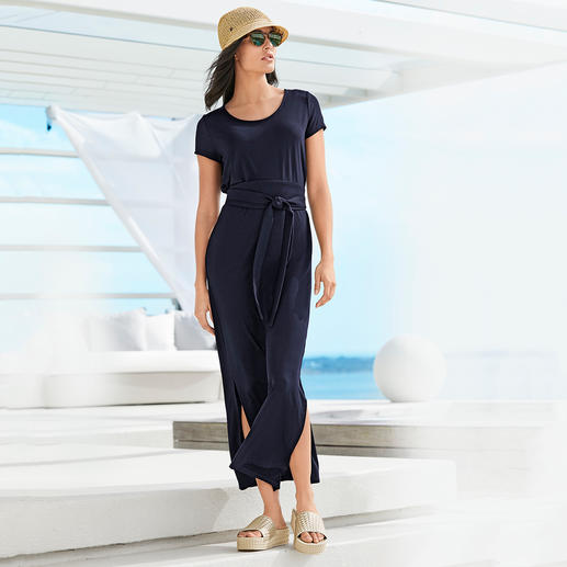 Tencel® Maxi Dress - Rare and elegant jersey dress. Silky Tencel jersey. Fashionable maxi silhouette.
