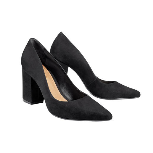Trendy. Wearable. Affordable: The Block Heel Pumps by Schutz. Trendy. Wearable. Affordable: The Block Heel Pumps by Schutz.