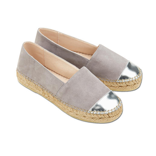 Macarena® Nubuck Espadrilles Metálico A casual look from espadrilles. Yet just as durable as your favourite ballerinas. Made in Spain. By Macarena®.