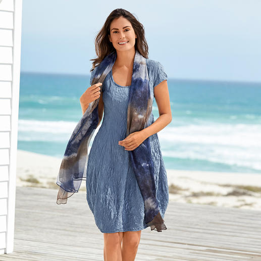 Silk Crushed Summer Dress A summer dress made of pure silk. Totally easy-care. No wrinkles, iron-free and completely opaque.