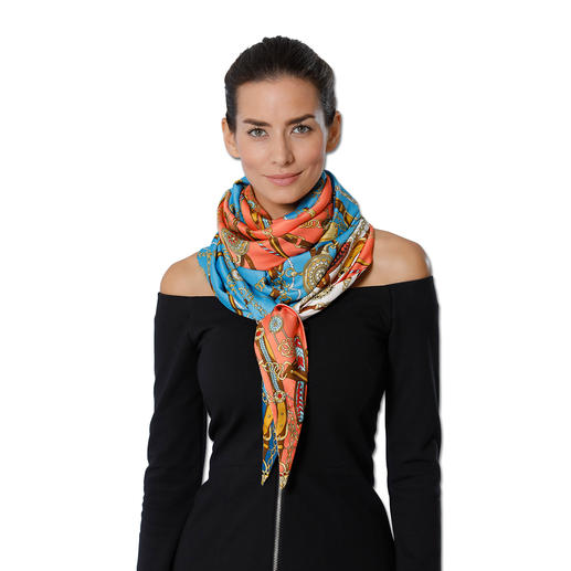 Ebony & Ivory Oversized Scarf On-trend oversize: XXL scarf from much- discussed accessory brand Ebony & Ivory.