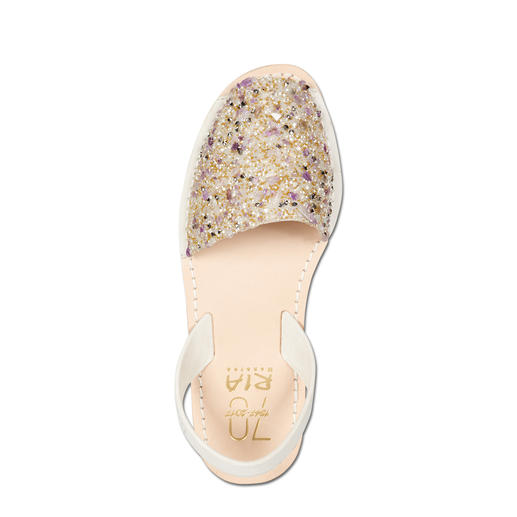 RIA Anniversary Avarcas for Women or Children The original Avarcas by RIA – now in a wonderfully decorated anniversary edition. For mother and daughter.