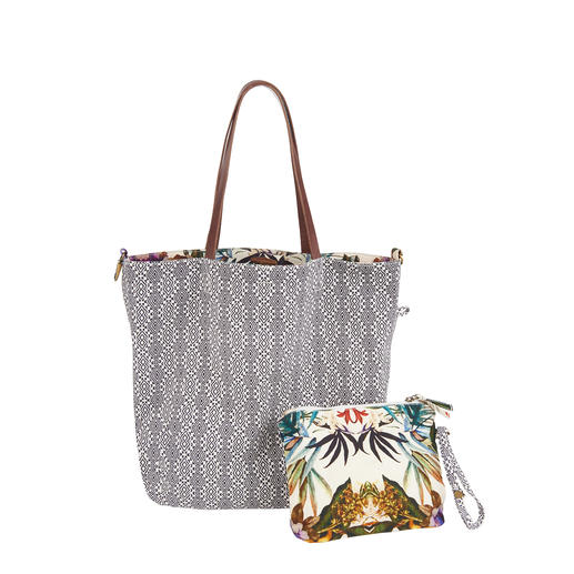 Anokhi 4-in-1 Bag One bag – four looks. Offers 2 designs and 2 shapes: The Vario reversible bag by trend label Anokhi Münich.