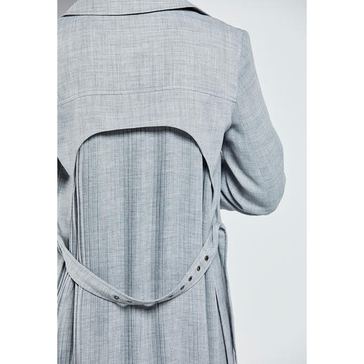 Strenesse Pleated Trench Coat or Skirt The search is over: A classic business ensemble with fashion cred. We found it at Strenesse.