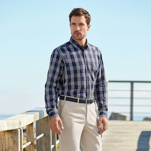 Ingram Etamine Shirt Perfect at 30°C plus: The shirt made of rare etamine fabric. It is opaque and never inappropriate.