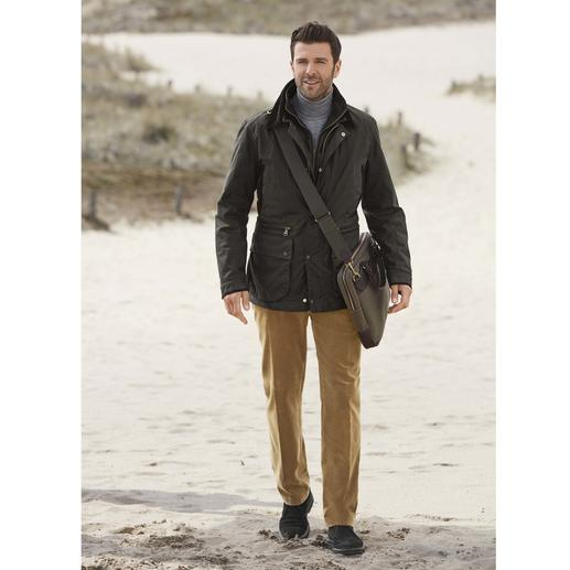 Hackett Thermal Waxed Jacket This premium waxed jacket keeps you warm – and offers prolonged protection