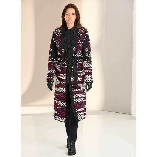 "Oneonone Hand-knitted Long Cardigan Fashionable ""Heavy Knit"" but rare: Elaborately hand-knitted – in a limited number."