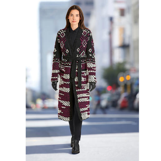 """Oneonone Hand-knitted Long Cardigan Fashionable """"Heavy Knit"""" but rare: Elaborately hand-knitted – in a limited number."""