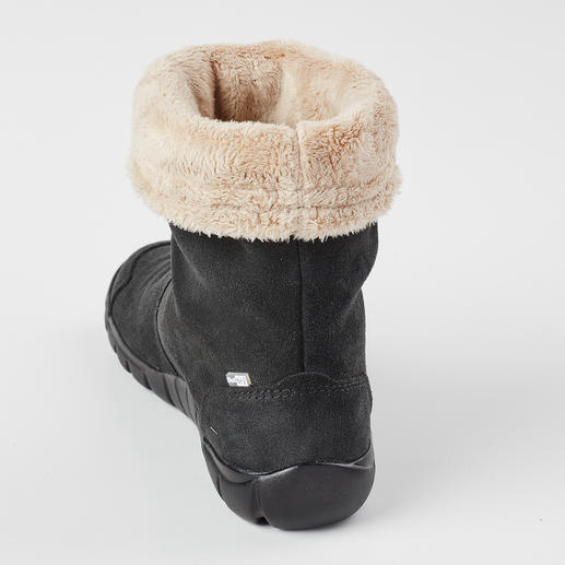 Lizard Boots with Faux Fur Lining As waterproof as rubber boots. As breathable as leather shoes. As lightweight as trainers. By Lizard.