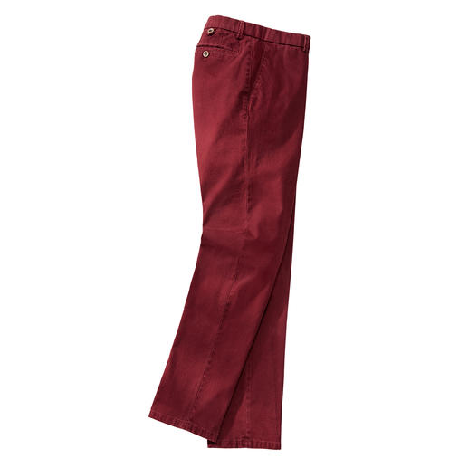 Hiltl Panama Flannel Trousers, Crimson In a rare basket weave, finished by diamond sanding. From trousers specialist Hiltl, Germany.
