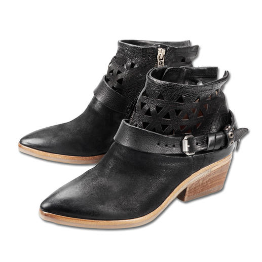 A.S.98 Vintage Ankle Boots Just the right ankle boots for dresses, skirts and trousers. And for year-round wear. Made in Italy. By A.S.98.