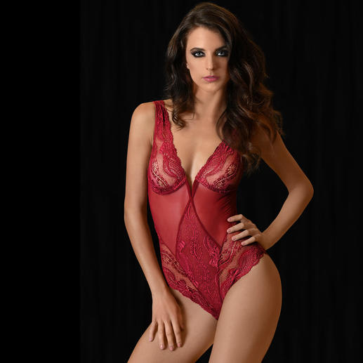 Exilia Lace Body Seductive AND stylish lingerie. Distinctly luxurious. By Italian lingerie brand Exilia.