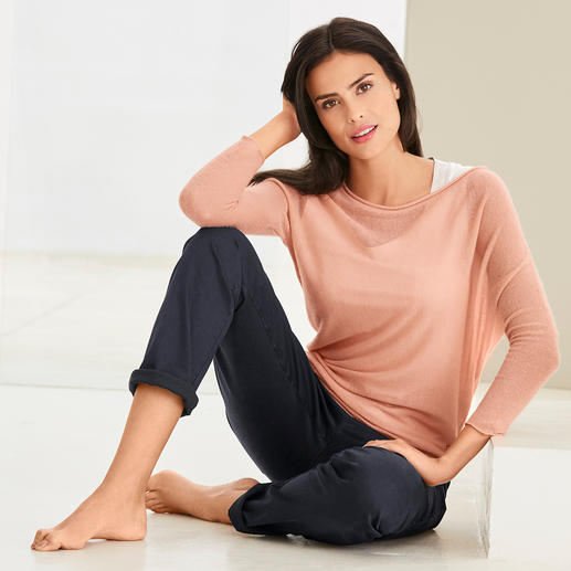 neyo Cashmere Asymmetrical Jumper - Stylish mesh, traditionally made. Slow Fashion from fair production. And made of 100% cashmere. By neyo.