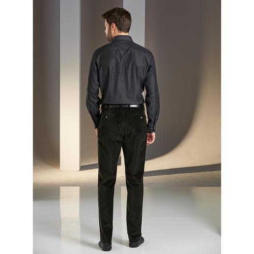 Daks Cord Gentleman Suit The fine corduroy gentleman's suit. Cloth from Italian cord specialist Duca Visconti. By DAKS, London.