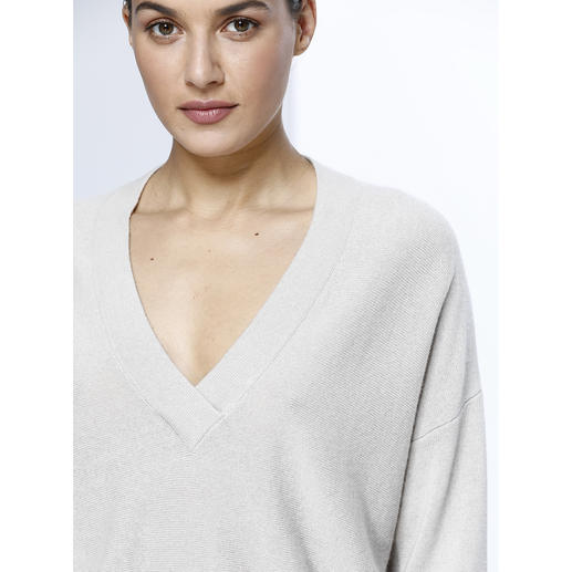 FTC SeaCell®Cashmere V-Neck Pullover SeaCell®Cashmere: Wonderfully soft thanks to cashmere. Dry, low pilling and skin-friendly thanks to algae.