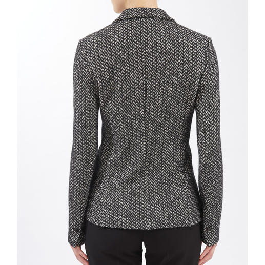 Circolo Jersey Blazer or Shift Dress The elegance of cloth, but as comfortable as knitwear. Chic 2-piece suit made of knitted jersey. By Circolo.