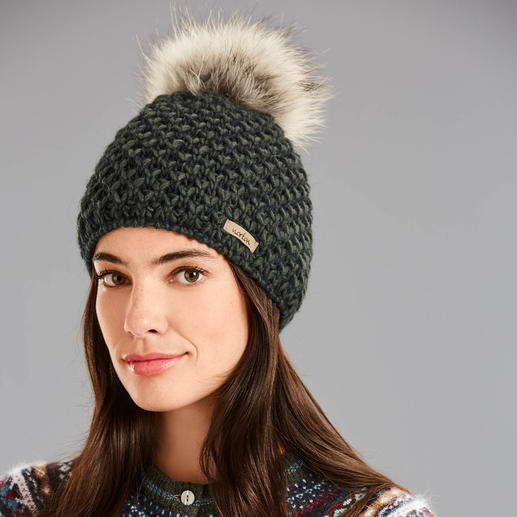 Norton Fur Bobble Hat The scratch-free version of the on-trend bobble hat. With luxurious Finn Raccoon. Made in Italy. By Norton.