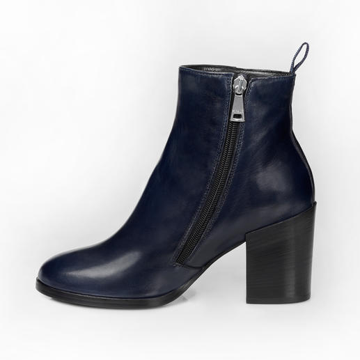 Ma&Lo Lambskin Ankle Boots This is how elegant warm winter lambskin boots can be. Italian chic by Ma&Lo.