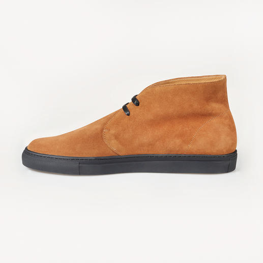 Bernacchini Calf Suede Chukka Boots The finest calf suede – weather and winter proof thanks to the ScotchgardTM finish. Made in Italy, Bernacchini.