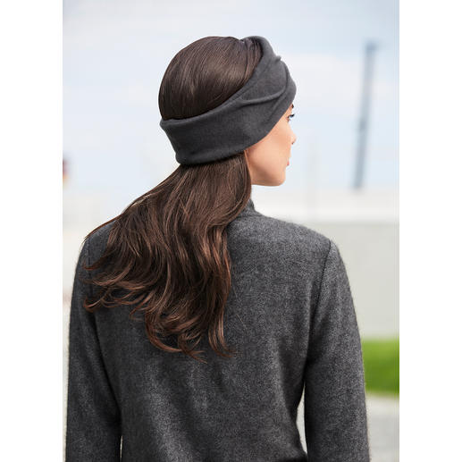 Céline Robert Couture Headband - A headband almost as elegant as a hat. In currently fashionable, elegant shape. By Céline Robert.