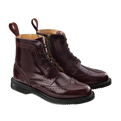 Dr. Martens Brogue Boots Original Dr. Martens: The cult shoe of 1960 – with a modern look. Elegant design. Lyra perforation.