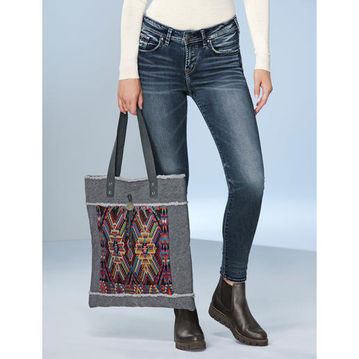 Smitten Huipil Bag Trendy ethnic shopping bag, handwoven huipil pattern from Guatemala. Limited edition: 250 pieces. By Smitten.