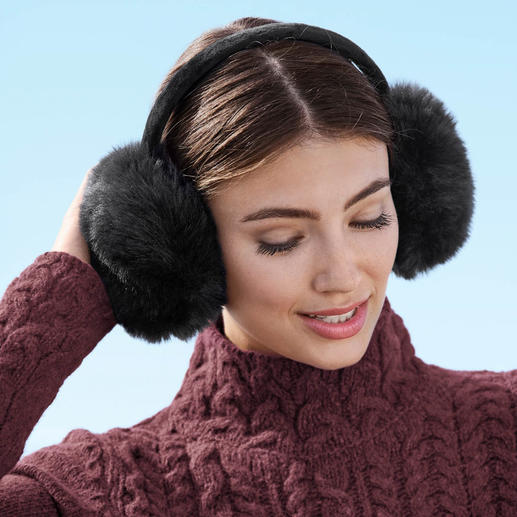 UNECHTA Faux Fur Earmuffs Trendy fur earmuffs by UNECHTA – the German specialists in luxurious faux fur accessories.