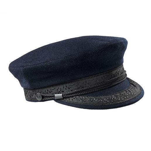 Breton Cap Proven on a rough sea. Desired as an ultra-fashionable accessory: The Breton cap.
