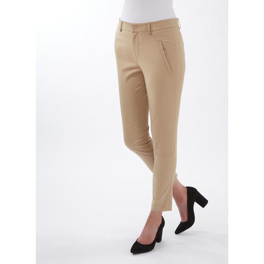 Strenesse Chic Chinos The chic way to wear chinos. Elegant fabric. Feminine cut. By Strenesse.