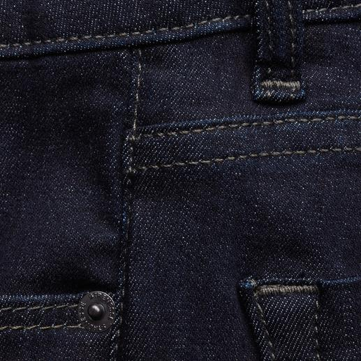Strenesse Business Jeans Jeans for the office? Very few really make the cut. Clean cut. Perfect fit. By Strenesse.