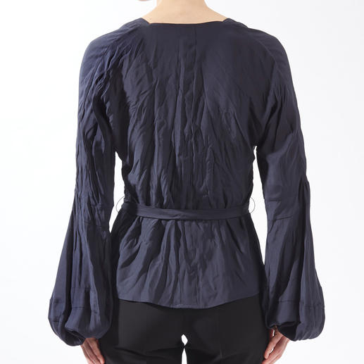 Strenesse Crinkled Silk Blouse The fashionably crinkled crêpe satin silk blouse by Strenesse. Pure silk, but completely uncomplicated.