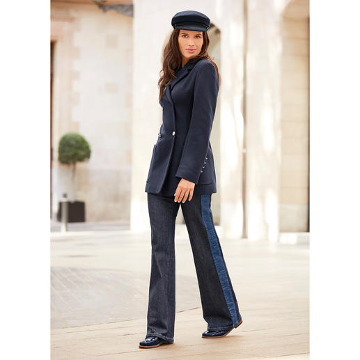 Strenesse Flared Jeans Flared jeans 2.0: Elegant instead of hippy style. Clean and chic. With fashionable trims.