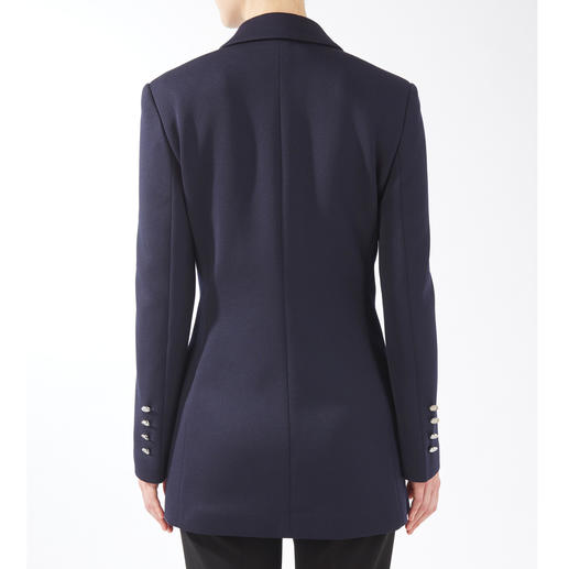 Strenesse Long Caban Blazer Sporty, classic and elegant fashion highlights all in one. The caban becomes a long blazer. By Strenesse.