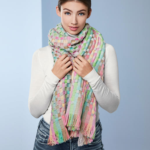 Heartbreaker 7-Colours Cashmere Scarf Extraordinary eyecatcher: A seven-coloured cashmere scarf. Handwoven in Nepal. By Heartbreaker.