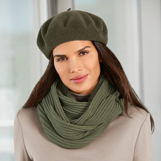 Laulhère Beret Laulhère makes the only true 100% French beret. Handcrafted from pure merino wool.
