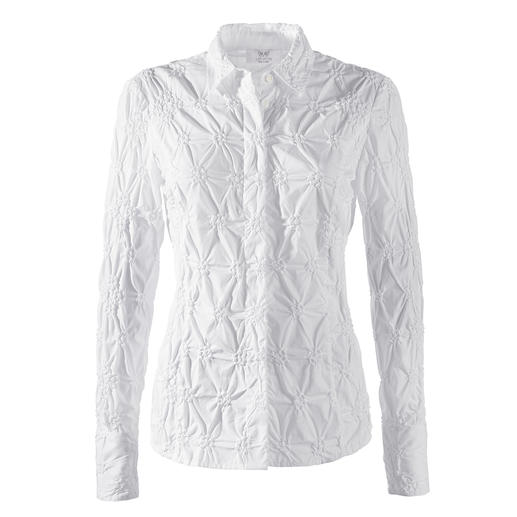 Embroidered Cambric Blouse Never iron it – please! Classic white blouse made from fine cambric, embroidered all over.