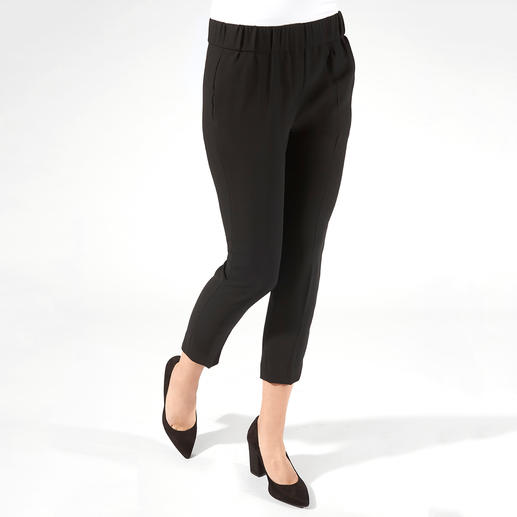 SLY010 24 Hour Top or Trousers The elegant two-piece with 24-hour potential. Real competition for your little black dress.