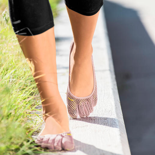 FiveFingers® Shoes As healthy and relaxing as walking barefoot, but without injuries and dirt.