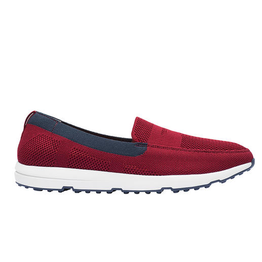 Trendy sneakers and wet shoes in one: The fashionable knitted loafers by Swims/Norway. Trendy sneakers and wet shoes in one: The fashionable knitted loafers by Swims/Norway.