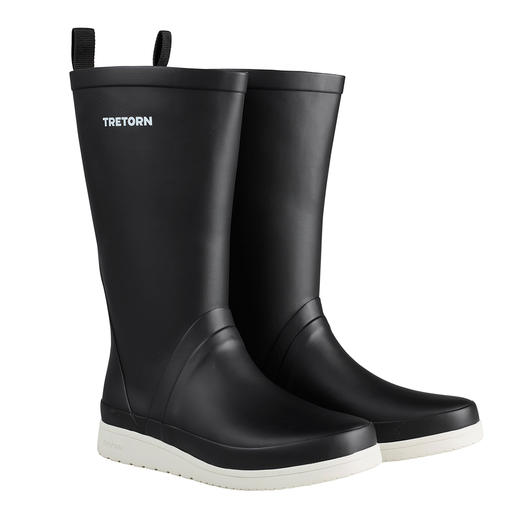 The rubber boots for on the go. The rubber boots for on the go. 100% waterproof. Flexible. Lightweight. And even foldable. By Tretorn.