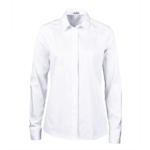 More feminine and elegant than most: The shirt-style blouse with pleated back. More feminine and elegant than most: The shirt-style blouse with pleated back. By van Laack.