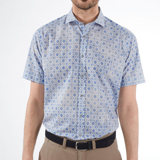 Ingram Muslin Short Sleeve Shirt The most refreshing short sleeve shirt is made of rare woven muslin. By Ingram.