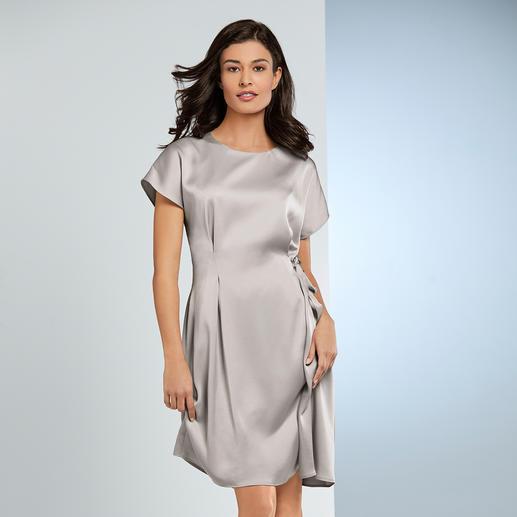 Barbara Schwarzer All-round Dress The elegant designer dress for every day and every occasion. By Barbara Schwarzer, Düsseldorf.