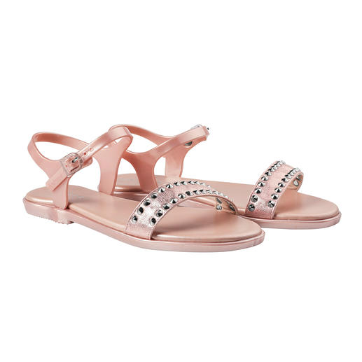 holster Studded Sandals From beach to bar: The glamorous beach sandals by trendy label holster, Australia.