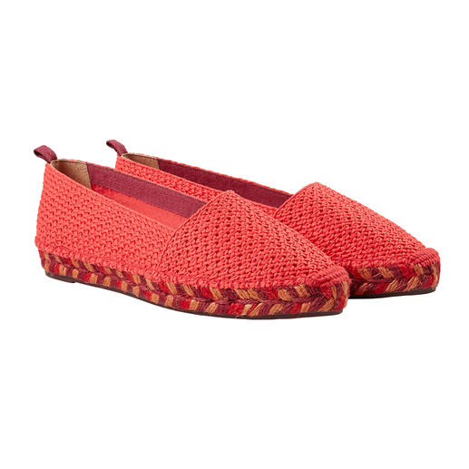 Castañer Flat Espadrilles Perfect for casual and elegant outfits: Airy, flat espadrilles with multicoloured jute sole. By Castañer.