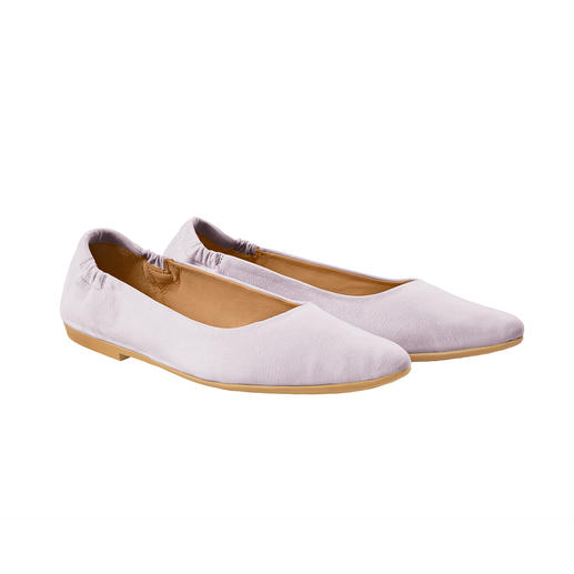 Almost like being barefoot: The Sacchetto ballerinas by Marta Ray, Italy. The Sacchetto ballerinas by Marta Ray, Italy. Pressure-free fit with optimum heel grip.