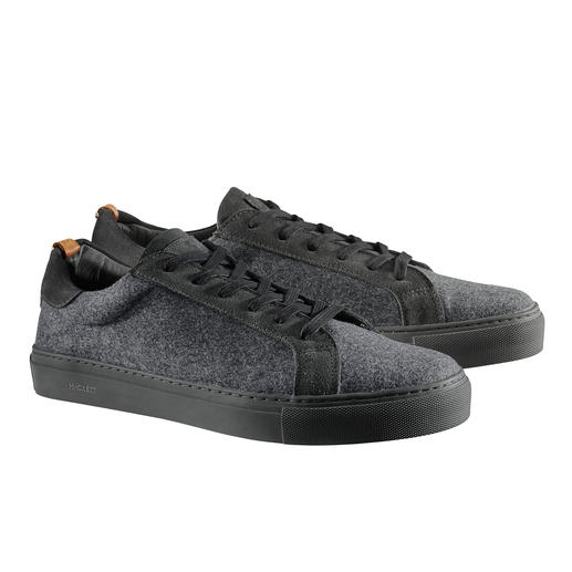 Hackett Wool Trainers Made of fine suit material: elegant among the sporty wool trainers. Design by Hackett, London.